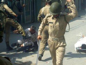 Indian Army Baton Charge on Innocent Kashmiri elder